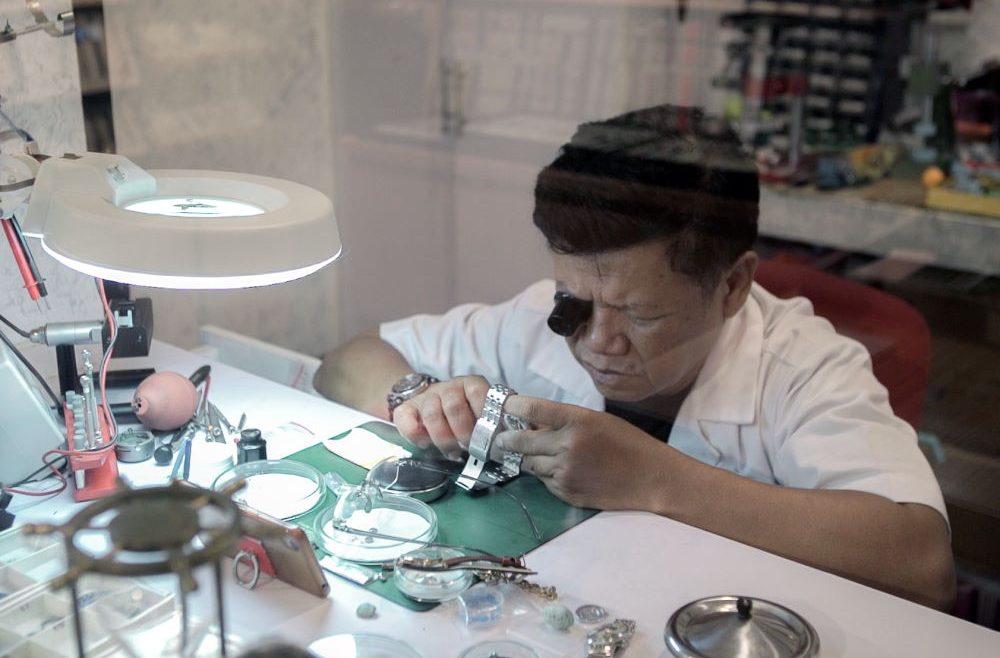 Mengenal Watchmaker, Profesi Dibalik Perakitan Masterpiece Jam Tangan Dunia